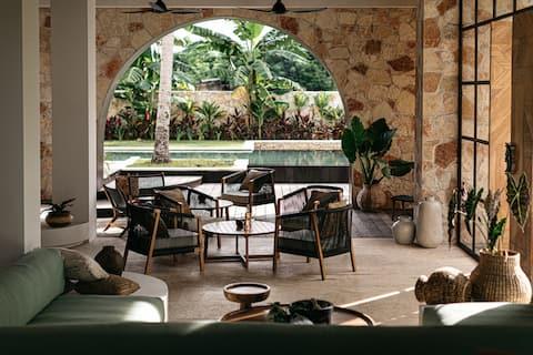 Alamayah Boutique Retreat Escape: Villa & Hotel