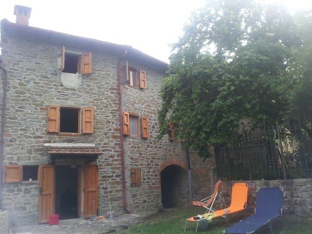rifugio della pace - Castel San Niccolò - Dom
