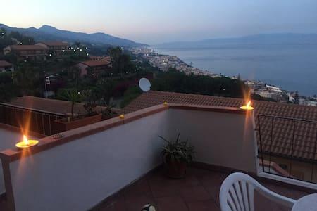 villetta a schiera panoramica - Sant'Alessio Siculo
