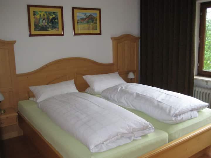 Ferienhaus Isele, (Feldberg-Neuglashütten), Ferienwohnung Fingerhut, 50qm, 1 Schlafzimmer, max. 4 Personen