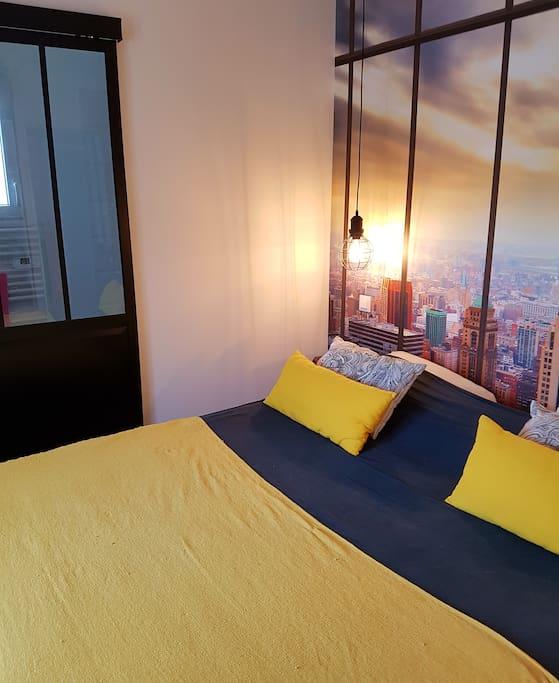 Chambre et salle d 39 eau design dans maison neuve chambres for Maison hote royan