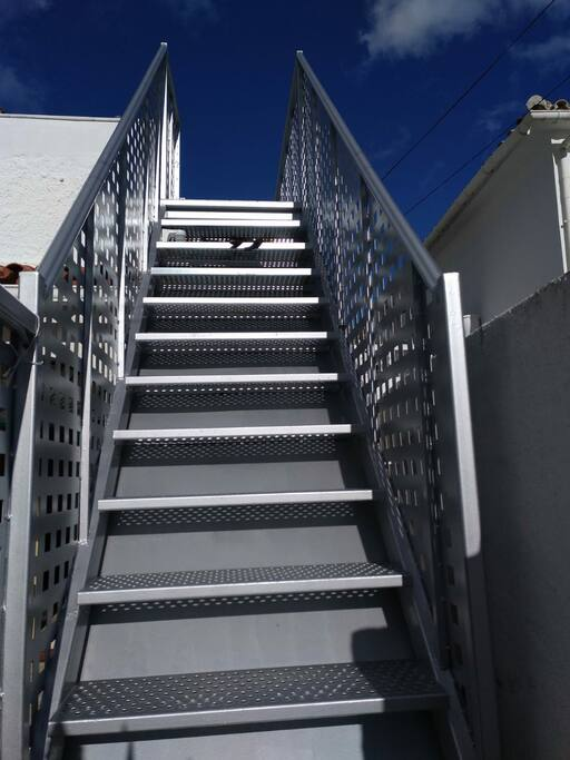 escalera con 17 escalones