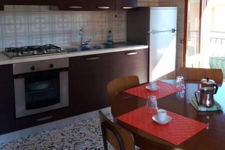 Appartamento in centro paese a 4km dal mare