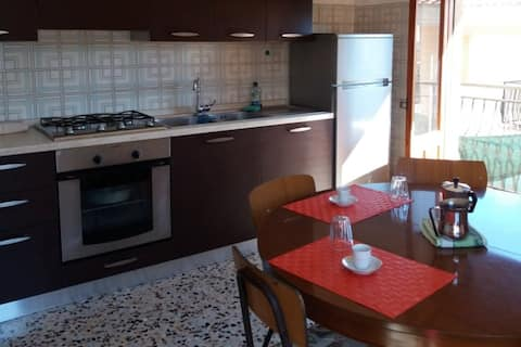 Apartment in the town centre 4km from the sea