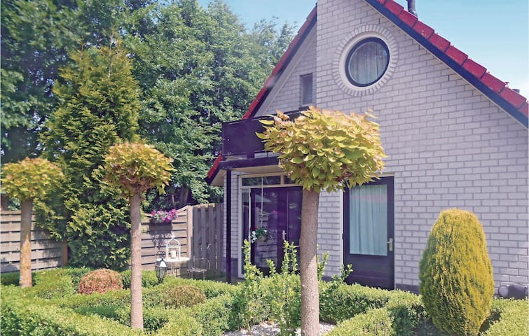 Holiday cottage with 2 bedrooms on 100 m² in Delden