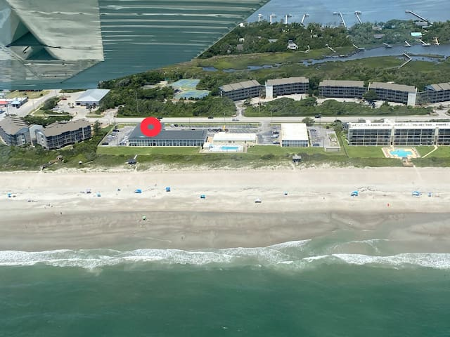 Beachfront Studio_Direct Beach Access_POOL IS OPEN