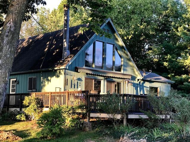 Idyllic Shenandoah Vineyard Retreat