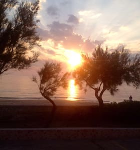 Italy, Puglia-Sunny beach front 2br - Lendinuso  - อพาร์ทเมนท์