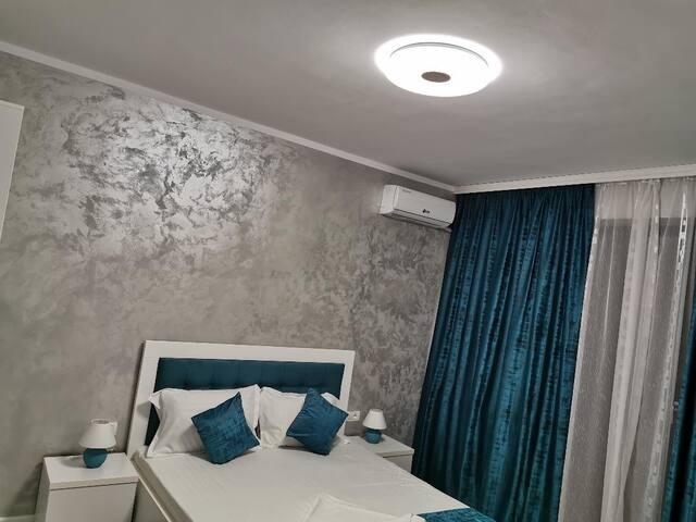 Cozy room- Villa George