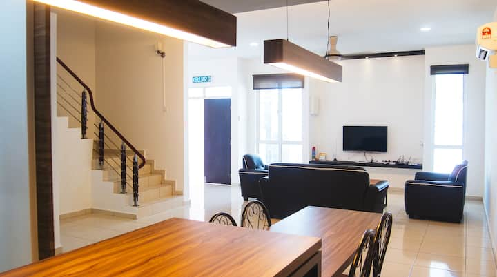 Residence 4 Room Homestay