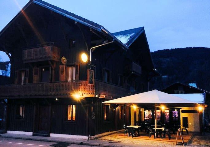 JollyGood,Le Sherpa-Room 5-sleeps 3