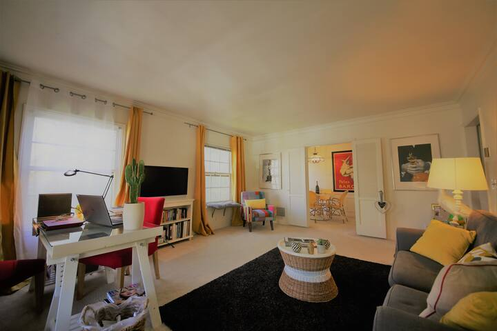 Beverly Hills large, bright one bedroom apartment - Beverly Hills - Apartamento