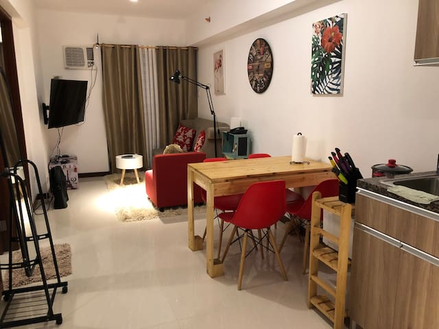 2br Cozy Condo just 3-5 mins from Abreeza & Gmall