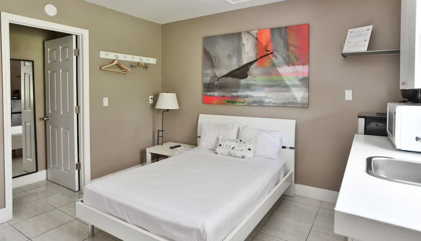 Wynwood, trendy studio  |