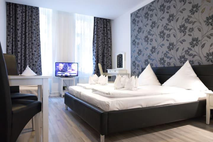2 Room Apartment in Prenzlauer Berg