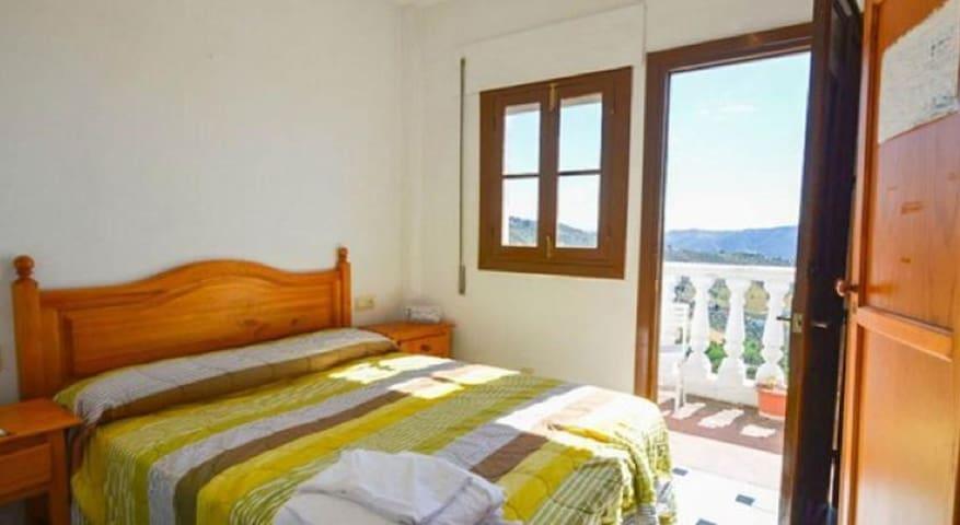 Habitación con irador en la valle - Casarabonela