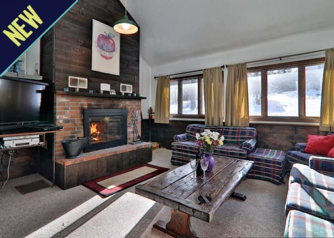 Rustic private home offers quick access to the slopes and night life!