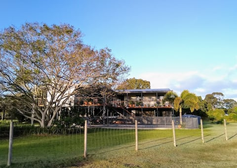 Peaceful rural views within minutes of Bundaberg.