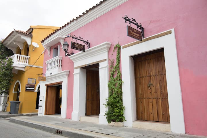 Life is Good Cartagena Hostel private room