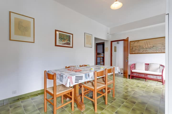 Comfortable Apartment in Castellamare Del Golfo with Balcony