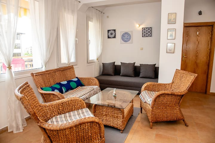 Azure JOY - 1-BDR Flat with Parking in Sunny Beach