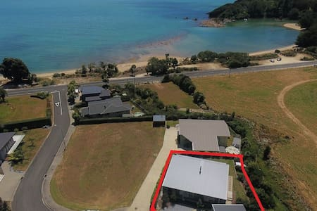 Ligar Bay Modern 3 Bed Bach - Free Wi-fi and Linen
