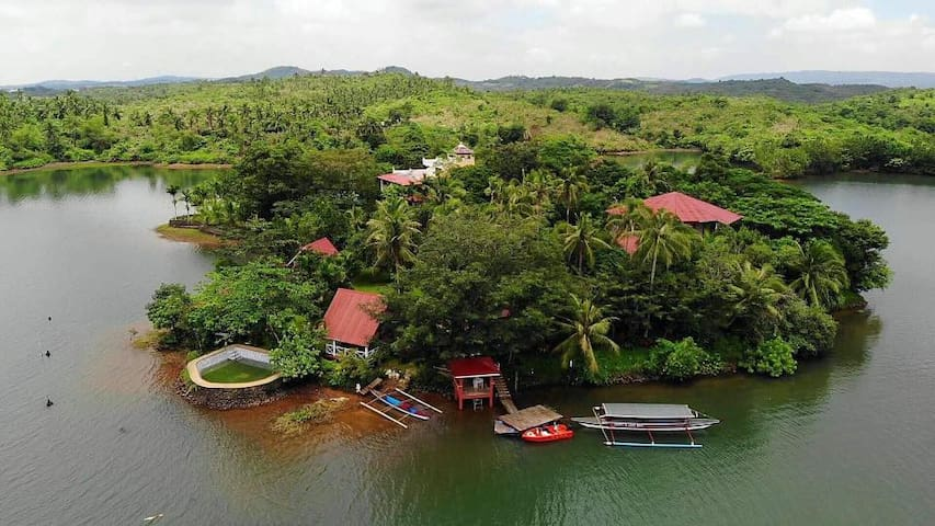Isla Levinia -Your own private island in the south