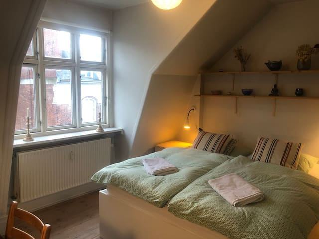 Spacious double room, central location
