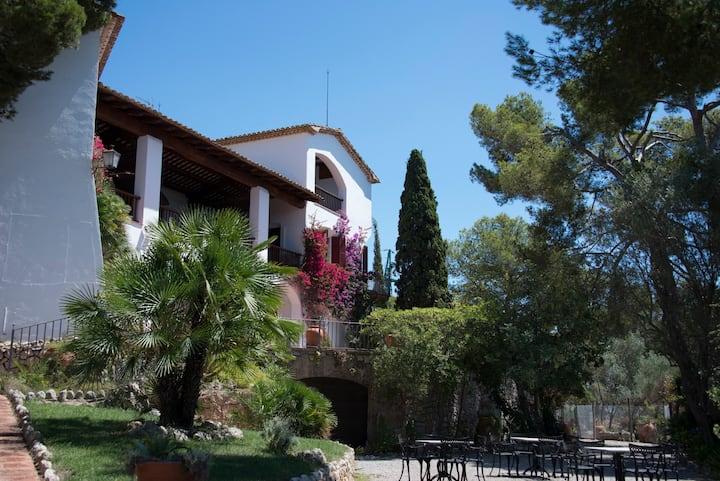 Villa Caprici: Authentic, Sea View, Exclusive