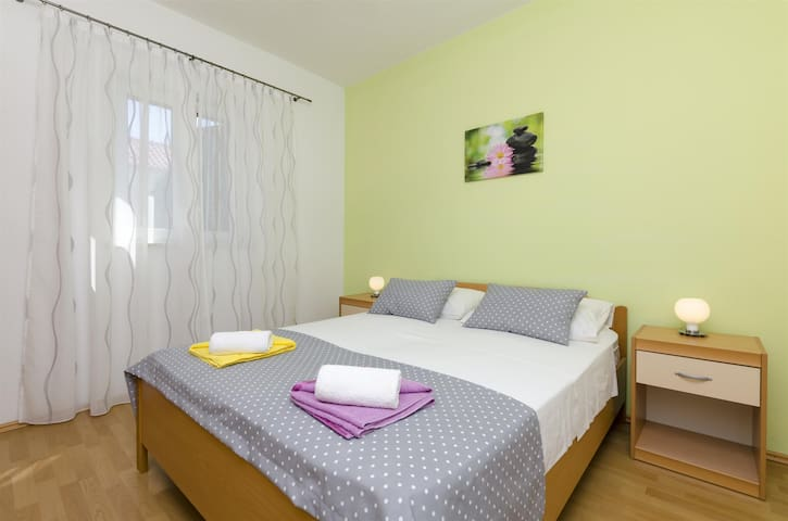 Two Bedroom Apartment, 200m from city center, in Bol - island Brac