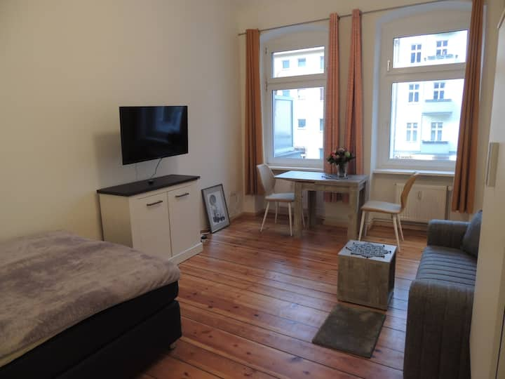Modernes Apartment nahe Tegeler See mit Balkon