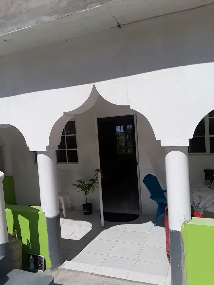 Varanda to Ground leved (Double bedrooms )  private bathroom. Shared kitchen