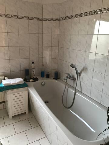 Badezimmer mit Gemeinschaftsnutzung
