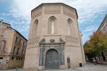 Iglesia de la Magdalena a 2 minutos.