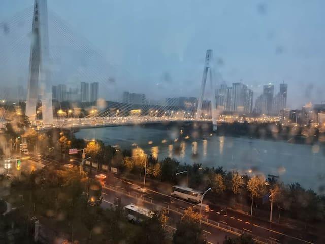复式观景落地窗大床房-两江风景客厅轻奢风/近月湖桥/古琴台/琴台剧院/江滩