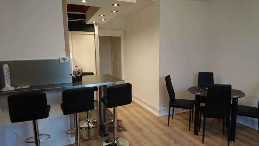 Bel Appartement meublé /Lorraine /4 personnes - Pont-à-Mousson - Apartemen
