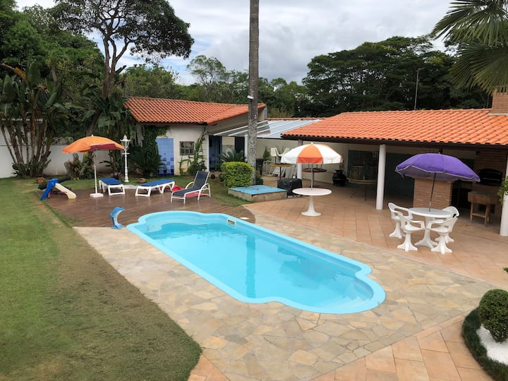 Casa de campo - piscina aquecida - cond. fechado