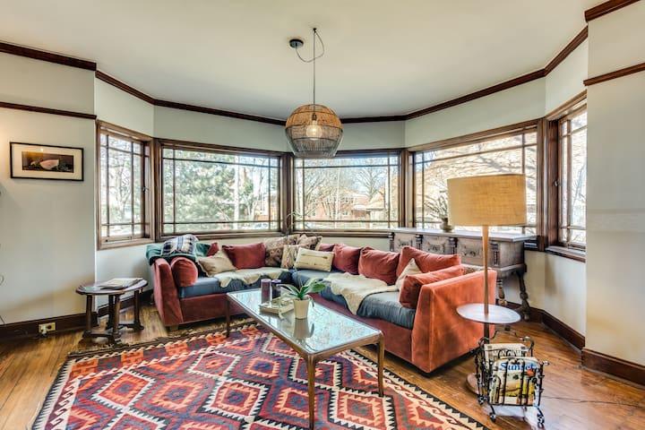 "Frank Lloyd Wright ""Bootleg"" House - 4 Bedrooms!"