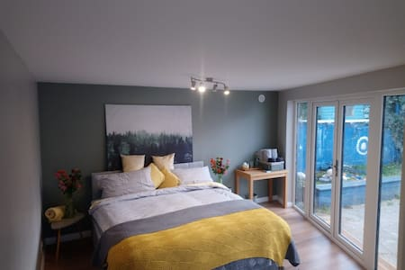 Charming coastal studio in heart of Dun Laoghaire