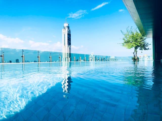 大两居室|尚泰世界百货|暹罗广场|四面佛|步行可达 五星公寓私人电梯 37层无边泳池 350米BTS