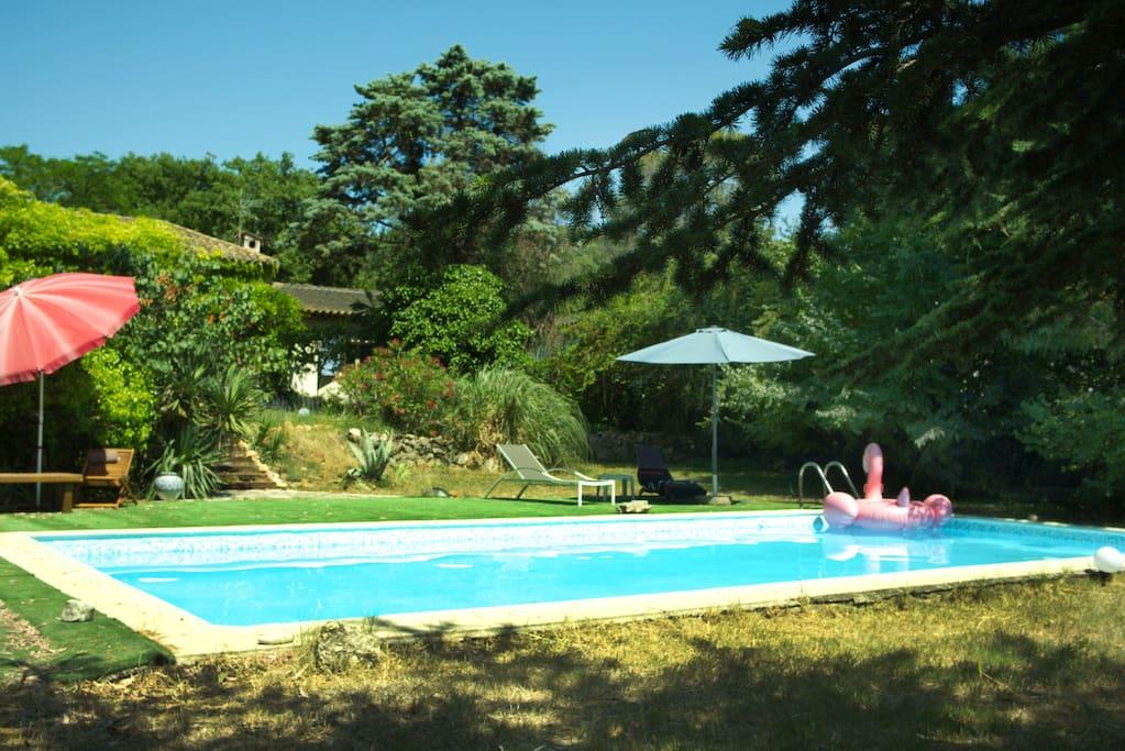 Logement privatif dans villa avec piscine villas louer for Piscine mouans sartoux