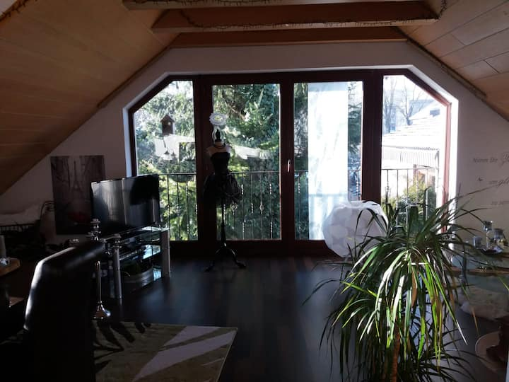 Liebevoll eingerichtete Wohnung mit  Terrasse