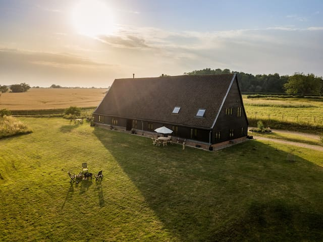 The Barn for Dinner with Rooms