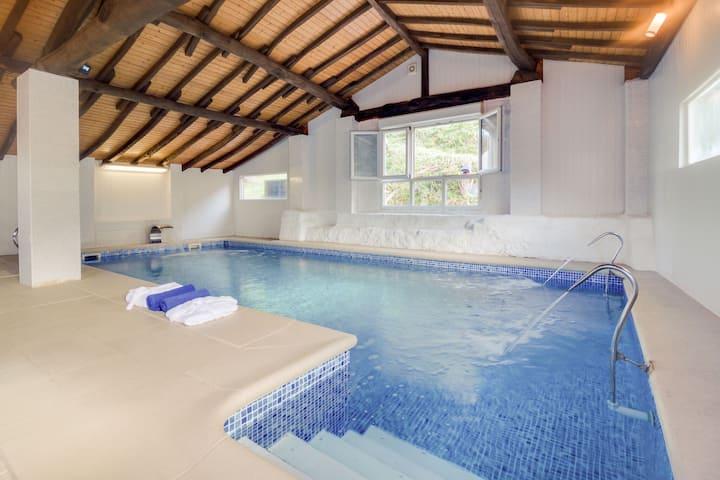 Acogedora casa de vacaciones en Cutiellos con piscina