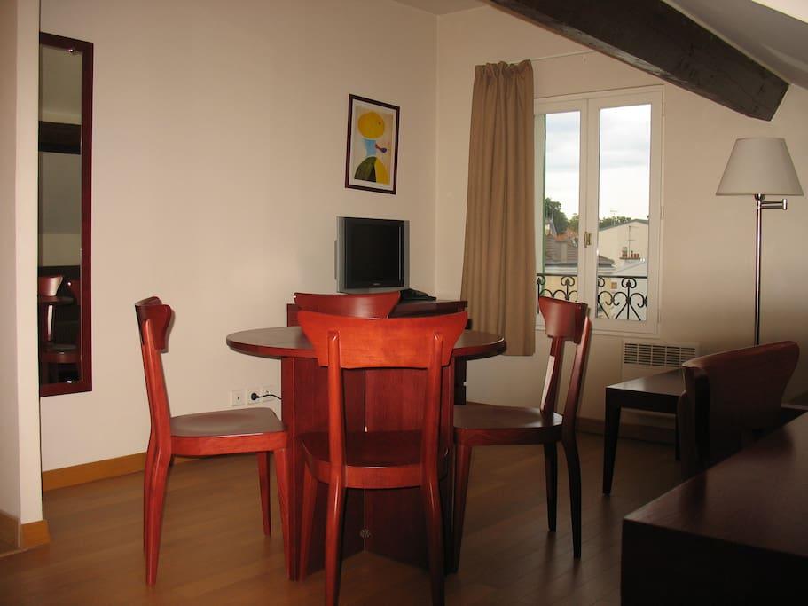 r sidence anaite 2 appartements louer le v sinet le de france france. Black Bedroom Furniture Sets. Home Design Ideas