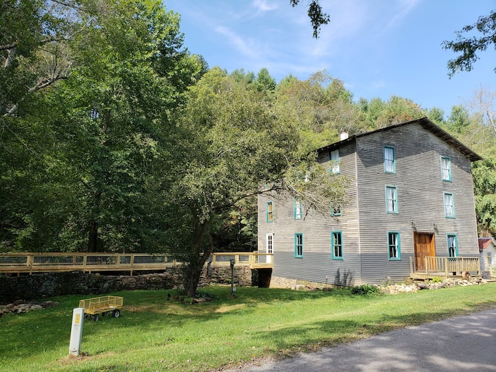 Historic Epperly Mill- Coleman Suite