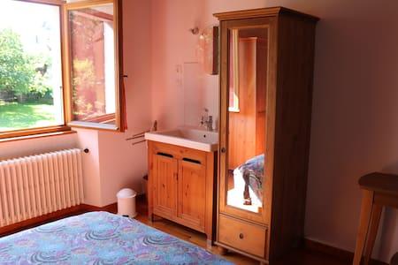 4 chambres avec jardin - Cranves-Sales