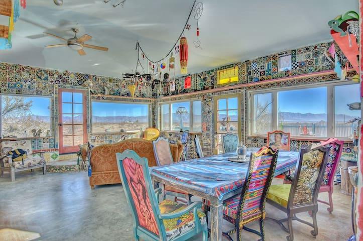 Living/Dining area great room ©2o17 Hannah Smith
