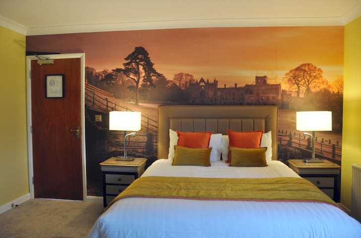 Deluxe King (Single Occupancy Advance Purchase)