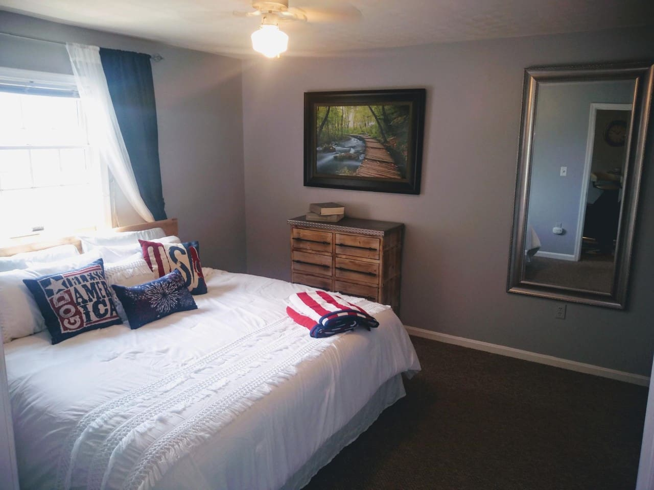 Cozy Bedroom to relax after a day in Gettysburg
